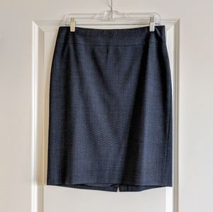 Banana Republic pencil skirt, size 8, LIKE NEW